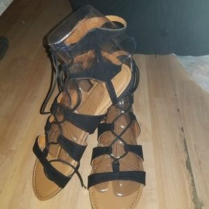 Beautiful black summer roman styled shoes sz 8